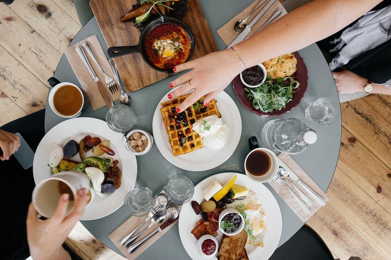 Frauenfrühstück mit Josefine Paul