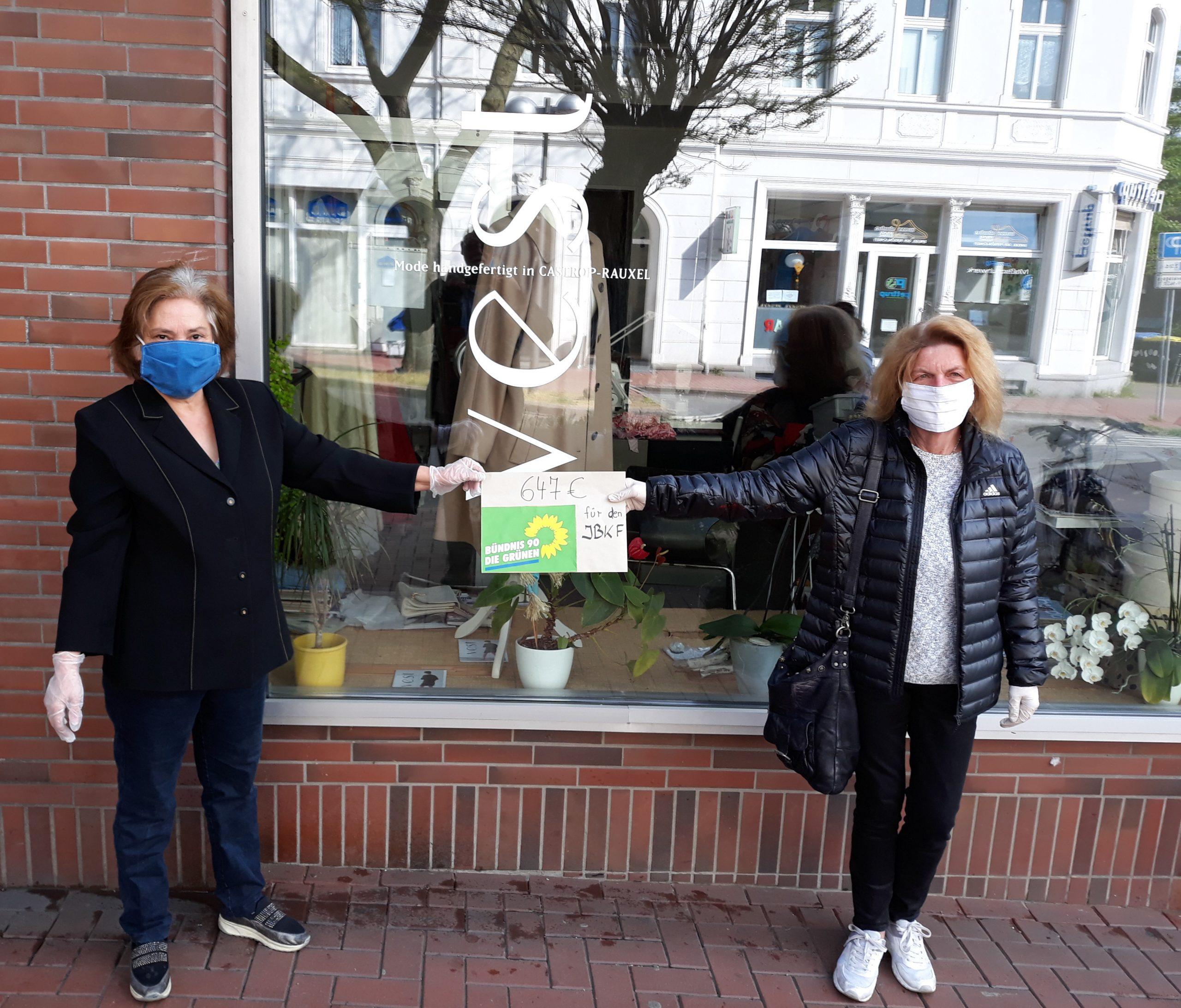 Grüne kooperieren mit IBKF beim Verteilen von Mund-Nase-Masken